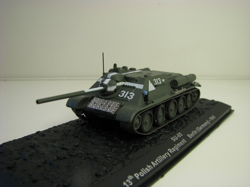 Tank SU-85 Polish Artillery Regiment Berlin Germany 1945 1:72 Atlas Edition